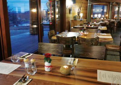 Reštaurácia interiér 1