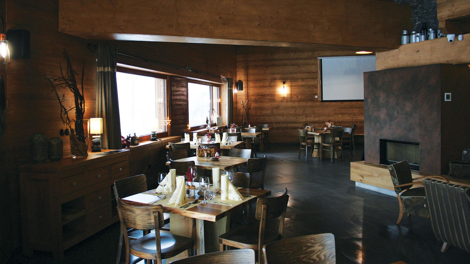 Reštaurácia interiér 2